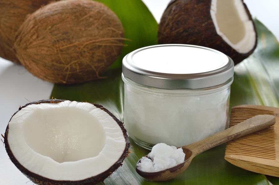 7 Ways on how to whiten your teeth naturally, how to whiten your teeth, organic toothpaste, organic supplies, how to whiten your teeth at home, how to whiten teeth naturally, coconut oil pulling